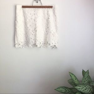 Free People white floral lace mini skirt size 4